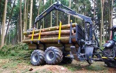 Погрузочные манипуляторы и лесные прицепы Junkkari